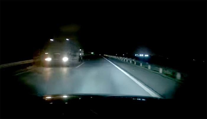 Chạy xe kiểu tự sát trên cao tốc 1
