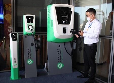 Xe điện tại Việt Nam sẽ sử dụng các loại sạc cắm nào để nạp pin? 1