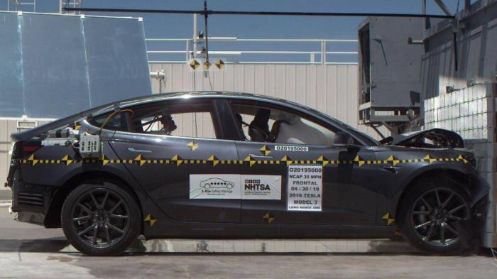 Khi gặp tai nạn, ô tô điện có an toàn như xe xăng truyền thống? 1
