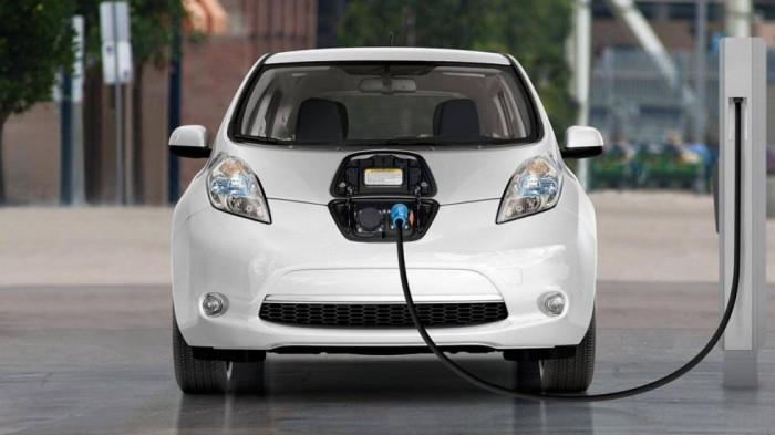 Khi gặp tai nạn, ô tô điện có an toàn như xe xăng truyền thống? 4