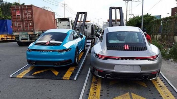 Người giàu Châu Á vung tiền mua xe Porsche 1