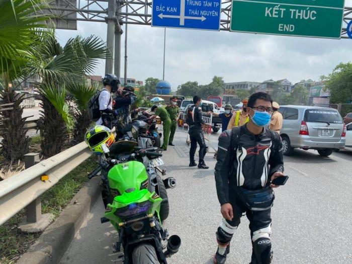 Tạm giữ đoàn xe phân khối lớn chạy kinh hoàng ở cao tốc Hà Nội- Thái Nguyên 1
