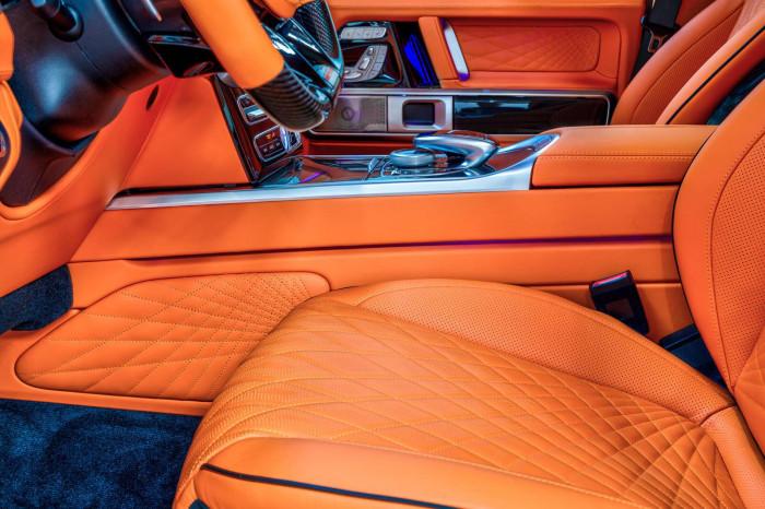 Cận cảnh Mercedes-AMG G63 sang trọng, rực rỡ dưới bàn tay hãng độ 10