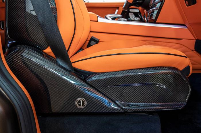 Cận cảnh Mercedes-AMG G63 sang trọng, rực rỡ dưới bàn tay hãng độ 13