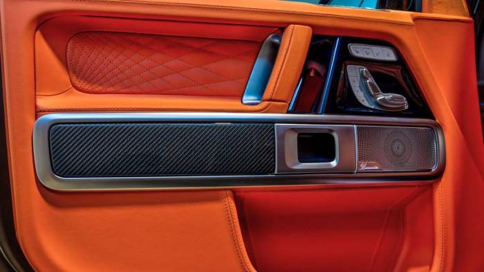 Cận cảnh Mercedes-AMG G63 sang trọng, rực rỡ dưới bàn tay hãng độ 5