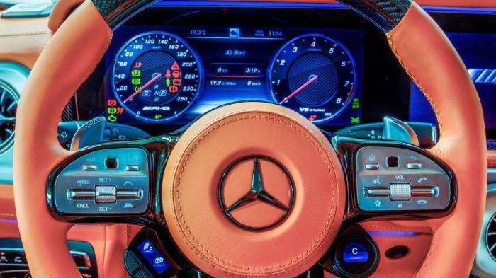 Cận cảnh Mercedes-AMG G63 sang trọng, rực rỡ dưới bàn tay hãng độ 7