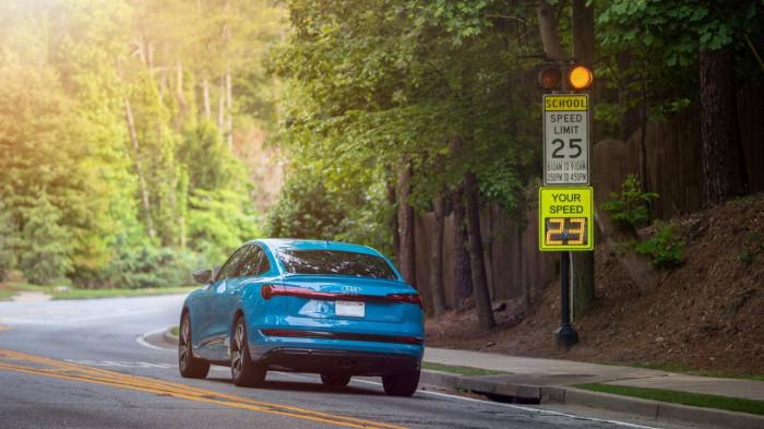 Audi thử nghiệm công nghệ có thể tự động nhận biết khu vực trường học 2