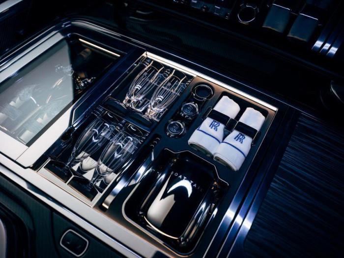 Cận cảnh xe siêu sang Rolls-Royce Boat Tail chỉ có 3 chiếc trên thế giới 3