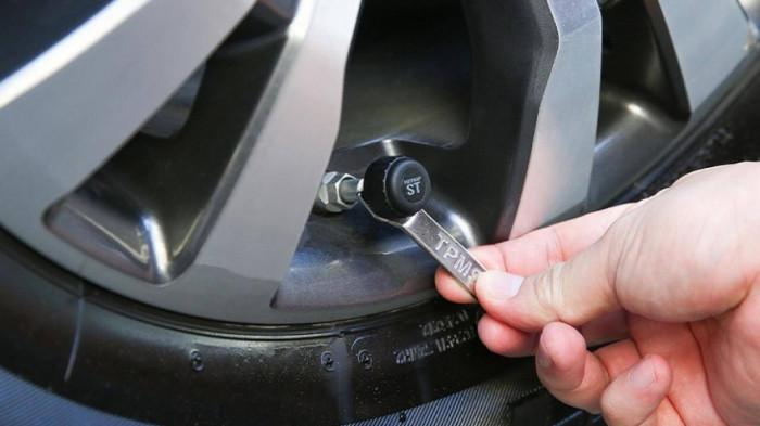 Khi nào phải thay cảm biến áp suất lốp ô tô? 1