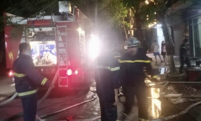 Hải Phòng: Kịp thời giải cứu 3 người trong vụ cháy ngôi nhà 4 tầng 1