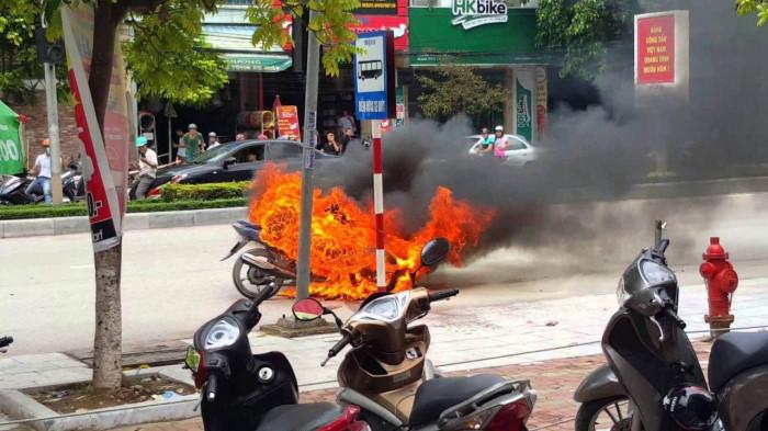Nắng nóng gây hại cho mô tô, xe máy thế nào? 3