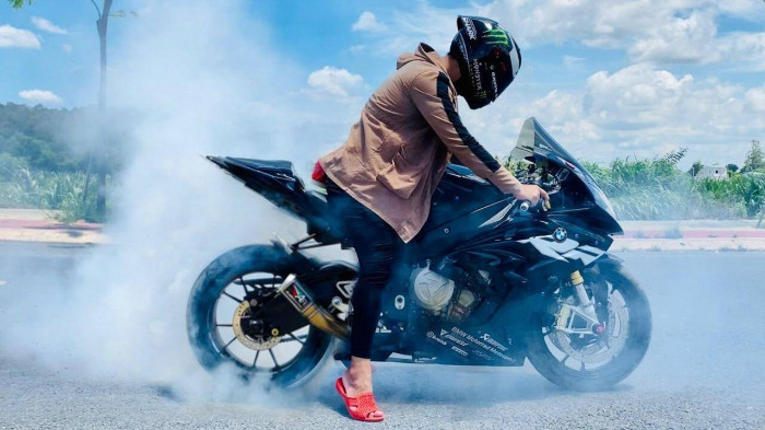 Nắng nóng gây hại cho mô tô, xe máy thế nào? 4