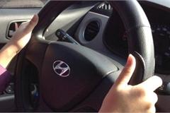 Vô lăng ô tô nặng trịch khó điều khiển, vì sao?