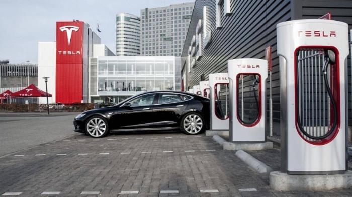 Tesla kiếm tỷ đô khi chia sẻ trạm sạc xe điện 1