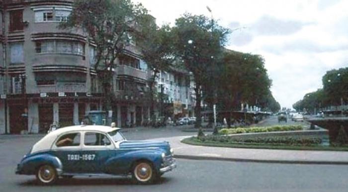 Dấu ấn những chiếc xe đầu tiên ở Việt Nam 1