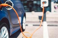 Doanh số bán ô tô ở châu Âu giảm 24% nhưng tiêu thụ xe điện tăng