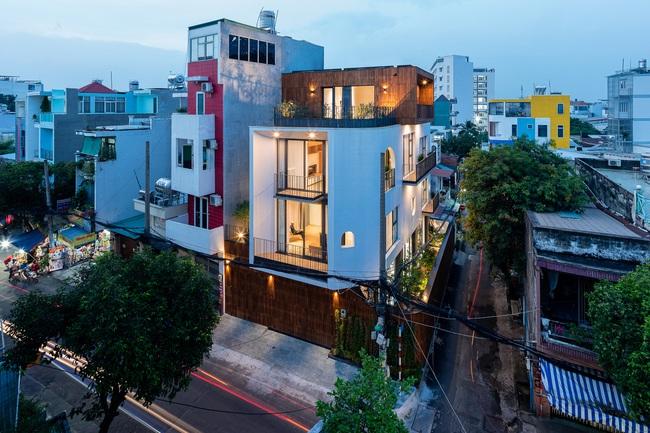 Thiết kế thông minh cho căn nhà hẹp trong hẻm ở Sài Gòn - 1