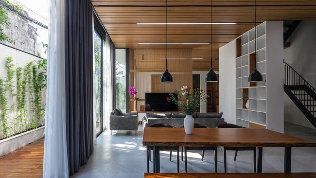 Thiết kế thông minh cho căn nhà hẹp trong hẻm ở Sài Gòn - 4