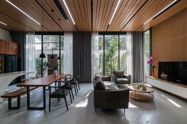 Thiết kế thông minh cho căn nhà hẹp trong hẻm ở Sài Gòn - 8