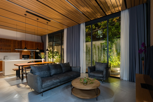 Thiết kế thông minh cho căn nhà hẹp trong hẻm ở Sài Gòn - 10