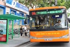 Buses to remain Hanoi's mainstream public transport in next 20 years