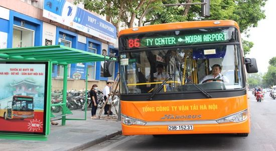 Buses to remain Hanoi's mainstream public transport for another 20 years. Photo: Internet