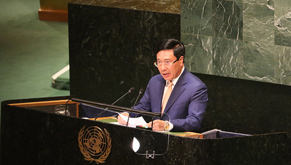 Vietnam urges relevant parties in East Sea to respect international law