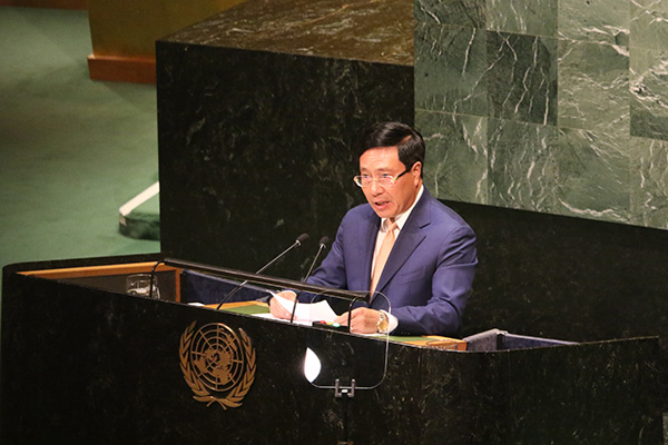 "Deputy Prime Minister, Foreign Minister Pham Binh Minh delivered his remarks ""Revitalizing multilateralism for sustainable peace and development"" at the General Debate of the 74th Session of the United Nations General Assembly in New York on September 28, 2019. Photo: Ministry of Foreign Affairs"
