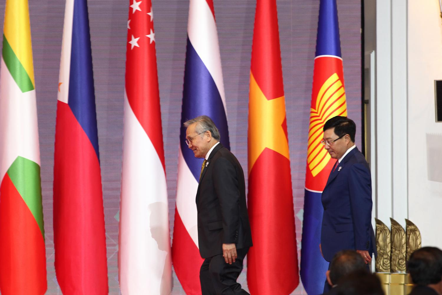 Vietnamese Minister of Foreign Affairs Pham Binh Minh and his Thai counterpart. Photo: Bangkokpost