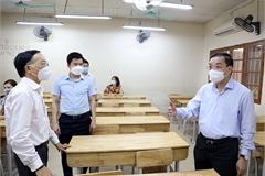 Chủ tịch Hà Nội kiểm tra công tác chuẩn bị thi vào lớp 10