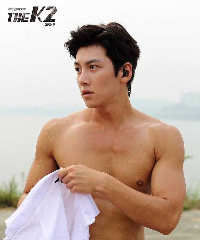 10 màn 'khoe múi' khiến chị em đổ gục của các nam diễn viên Hàn Quốc 11