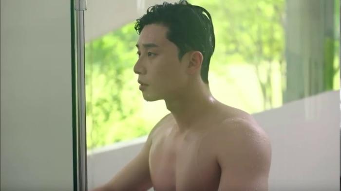 10 màn 'khoe múi' khiến chị em đổ gục của các nam diễn viên Hàn Quốc 20