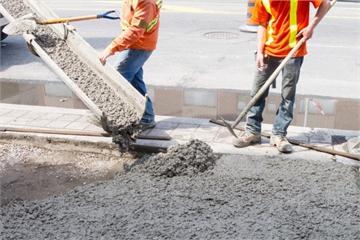 'Bão giá' vật liệu xây dựng: Nhiều nhà thầu trúng thầu nhưng không dám ký hợp đồng