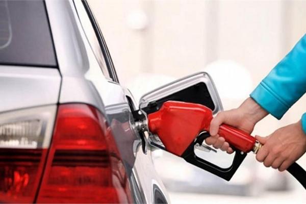 """Nguyên nhân khiến ô tô """"uống xăng"""" nhiều hơn bình thường"""