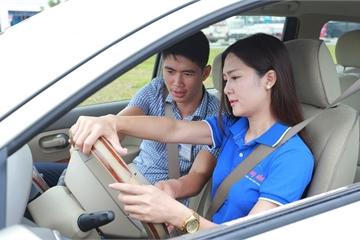 Có hay không việc bằng lái xe A1 không được lái xe SH, bằng B1 không được lái ô tô?