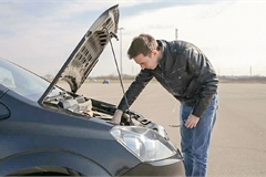 Động cơ xe máy dầu thường gặp những hư hỏng gì?