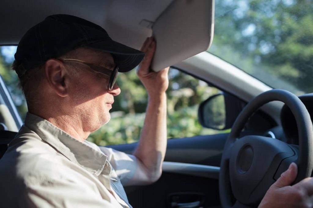 biện pháp giúp hạn chế tình trạng chói mắt khi lái xe ôtô