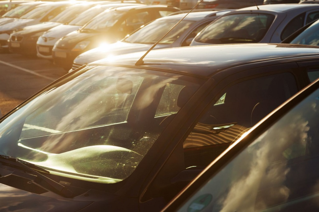 Nắng nóng tàn phá các bộ phận xe ô tô