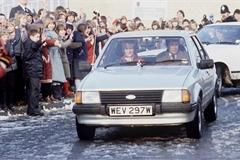 Xe Thái tử Charles tặng Công nương Diana được bán với giá 72.000 USD