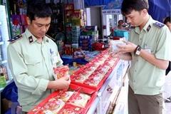 Kiểm tra bánh Trung Thu sản xuất theo phương thức cổ truyền