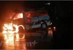 Đâm dải phân cách, xe cấp cứu bốc cháy dữ dội, 7 người bị thương