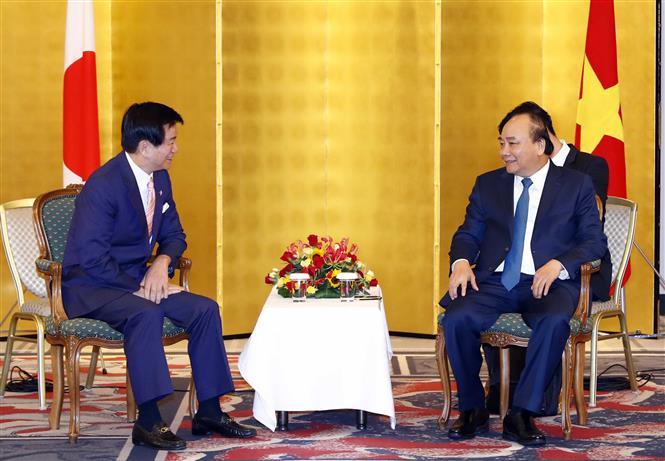 PM Nguyen Xuan Phuc receives Governor of Chiba prefecture Morita Kensaku (Photo: VNA)