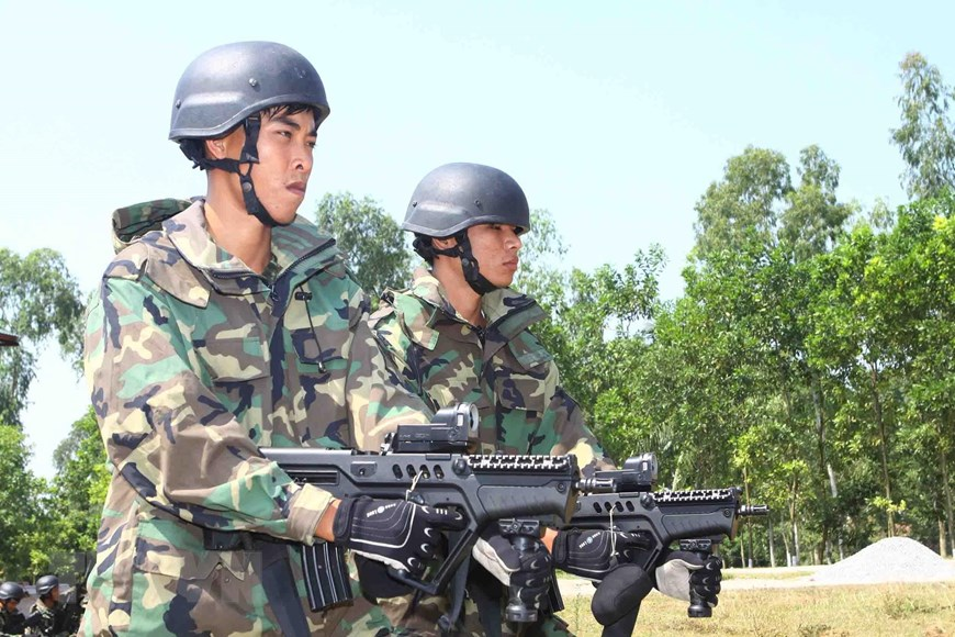 Vietnamese Naval Infantry Force is a well-trained combatant force which always stand ready for any circumstances (Photo: VNA)