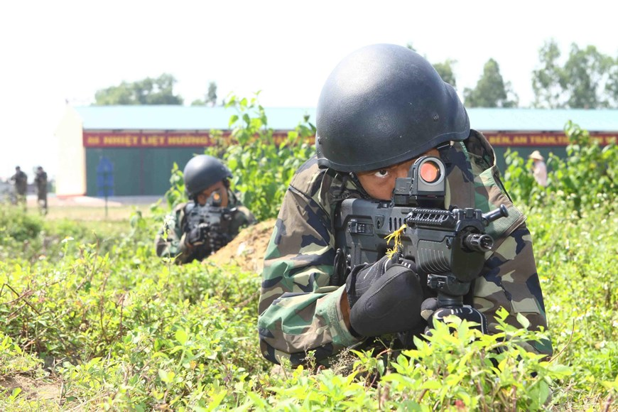 Naval soldiers under Naval Infantry Brigade 147 on training (Photo: VNA)