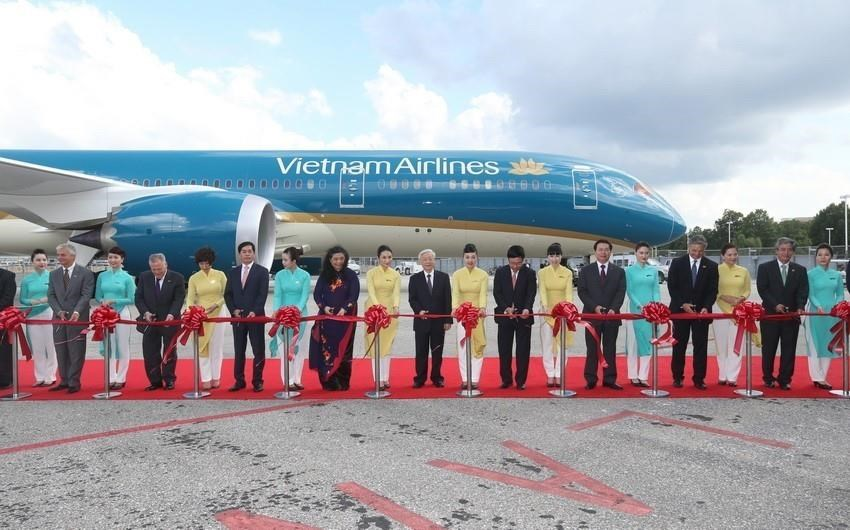 General Secretary Nguyen Phu Trong attends a ceremony where Boeing handed over Boeing 787-9 Dreamliner to Vietnam Airlines during his official visit to the US, July 6, 2015 (Photo: VNA)