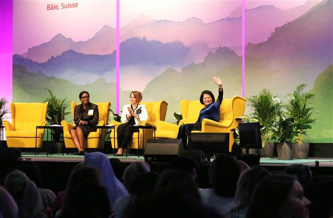 Vice President Dang Thi Ngoc Thinh as a guest speaker at the 2019 Global Summit of Women (Photo: VNA)