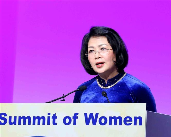 Vice President Dang Thi Ngoc Thinh speaks at the 2019 Global Summit of Women (Photo: VNA)