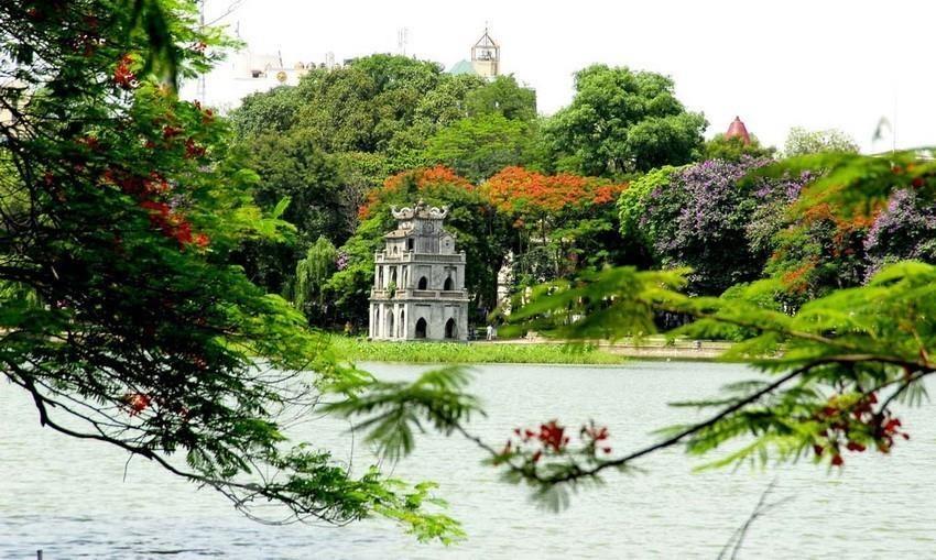 Hoan Kiem Lake in Hanoi's centre (Photo: VNA)