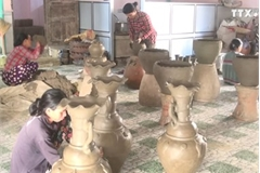 Difficulties persist in traditional pottery making trade in Ninh Thuan