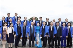 PM Phuc attends Japan-Vietnam lotus festival